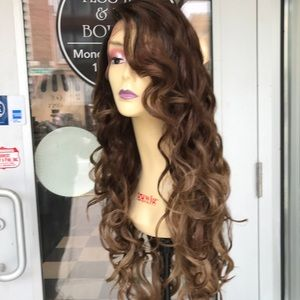 Accessories - Wig Long Loose Curls Swisslace sidepart Lacefront